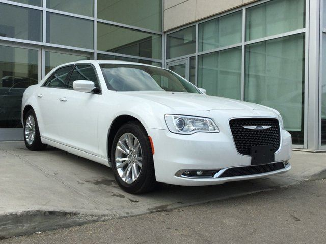 2016 CHRYSLER 300 TOURING/NAV/ACCIDENT FREE/BEST PRICE IN MARKET in Edmonton, Alberta