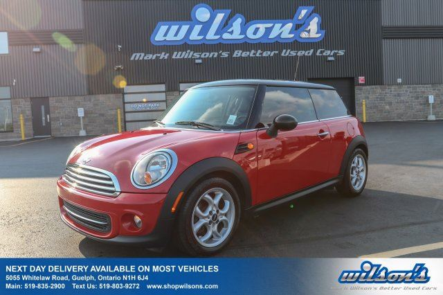2012 MINI COOPER COUPE! LEATHER! PANORAMIC SUNROOF! HEATED SEATS! POWER PACKAGE! KEYLESS ENTRY! in Guelph, Ontario