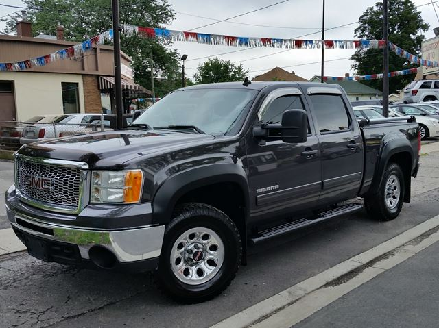 2010 GMC SIERRA 1500 SL Nevada Edition 4x4 in St Catharines, Ontario
