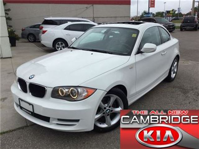 2011 BMW 1 SERIES 128i ROOF LEATHER in Cambridge, Ontario