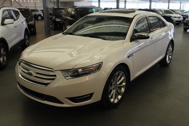 2016 Ford Taurus LIMITED CUIR TOIT NAV 4RM in Mascouche, Quebec