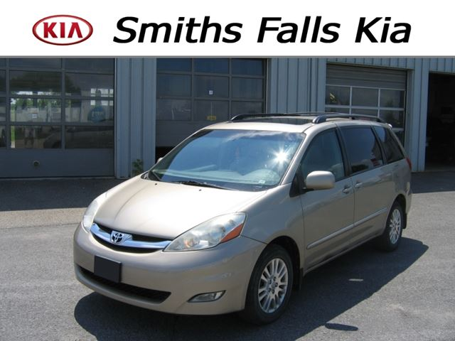 2007 Toyota Sienna Limited AWD in Smiths Falls, Ontario