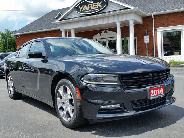 2016 Dodge Charger SXT AWD, V6, NAV, Sunroof, Heated Seats, Remote Start in Paris, Ontario