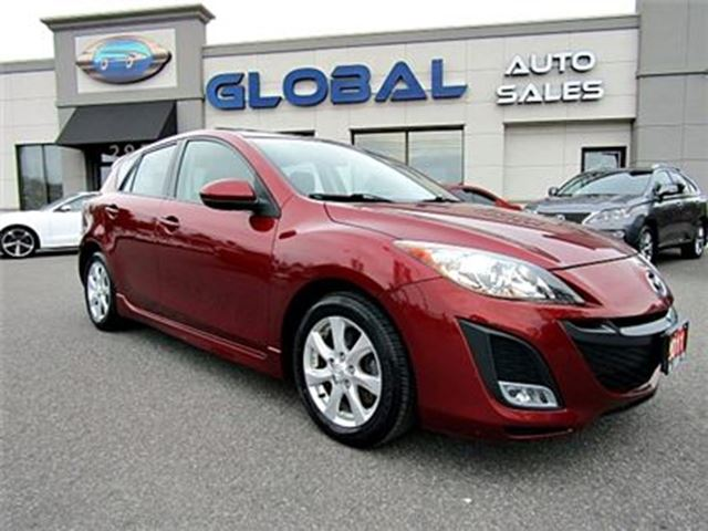 2011 Mazda MAZDA3 s Touring 5-Door AUTO . **LOW KM ** in Ottawa, Ontario