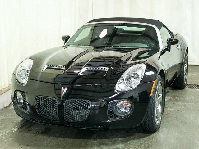 2007 Pontiac Solstice GXP Convertible w/ Factory Performance Upgrade, Leather, Alloy Wheels in Edmonton, Alberta
