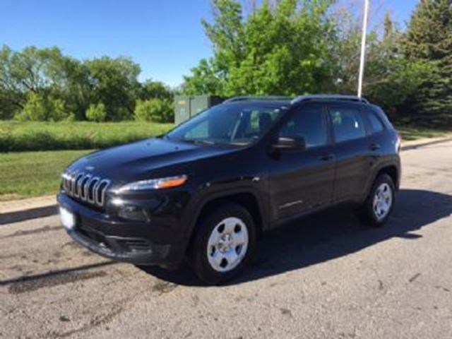 2016 Jeep Cherokee 4WD 4dr Sport in Mississauga, Ontario