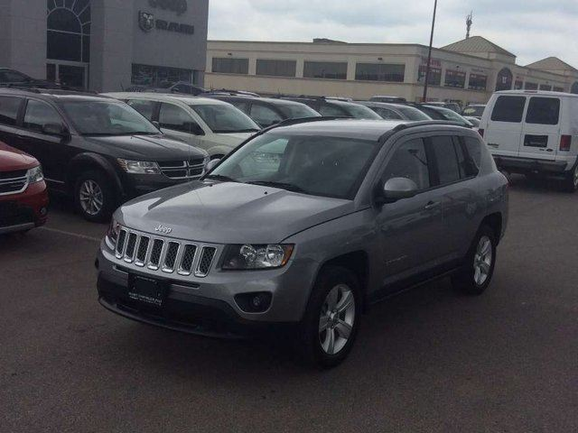 2016 Jeep Compass NORTH/SIRIUS/BT/KEYLESS & MORE!!! in Milton, Ontario