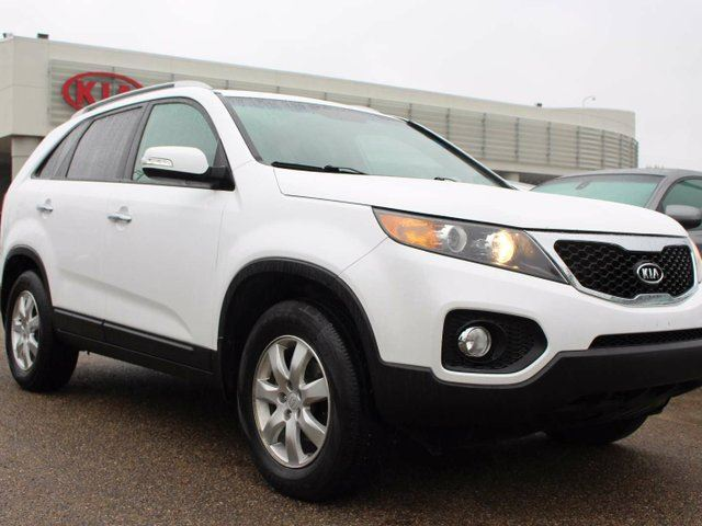 2011 KIA Sorento HEATED SEATS, BLUETOOTH, A/C, AUX/USB in Edmonton, Alberta