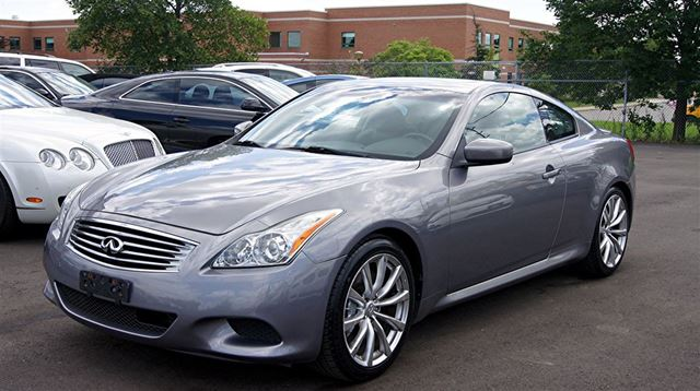 2009 INFINITI G37 COUPE *SPORT* 6 SPEED MANUAL * NAVIGATION * in Woodbridge, Ontario