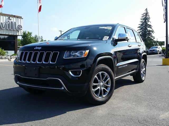 2015 Jeep Grand Cherokee LIMITED - SUNROOF - LEATEHR - HEATED SEATS in Belleville, Ontario
