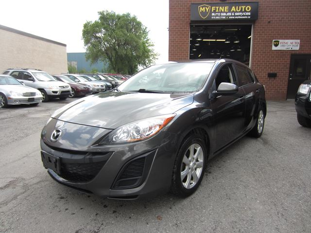 2011 Mazda MAZDA3 GX SPORT Hatchback / ONLY 120,000 km / ONE OWNER in Ottawa, Ontario