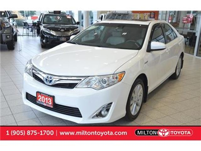 2013 Toyota Camry Hybrid XLE Leather, Sunroof, Navigation in Milton, Ontario