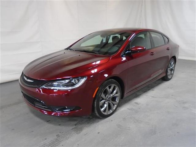 2016 Chrysler 200 S CUIR TOIT PANO NAV in Mascouche, Quebec