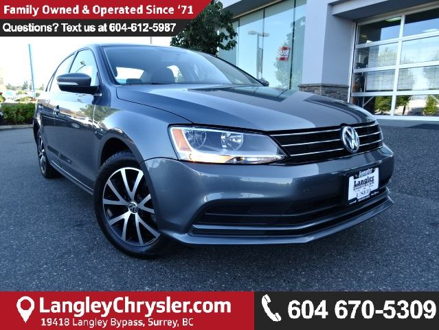 2015 VOLKSWAGEN JETTA 1.8 TSI Comfortline w/SUNROOF & SAFETY REAR CAMERA in Surrey, British Columbia