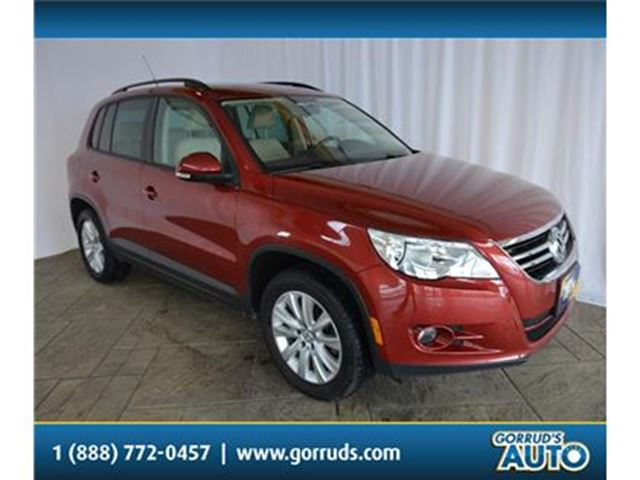2011 Volkswagen Tiguan 2.0T/4MOTION/AWD/NAV/PANORAMIC ROOF/HEATED SEATS in Milton, Ontario