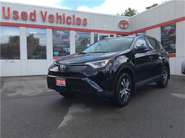2016 Toyota RAV4 LE AWD, BLUETOOTH, HEATED SEATS, CAMERA, LOW KM'S in Toronto, Ontario
