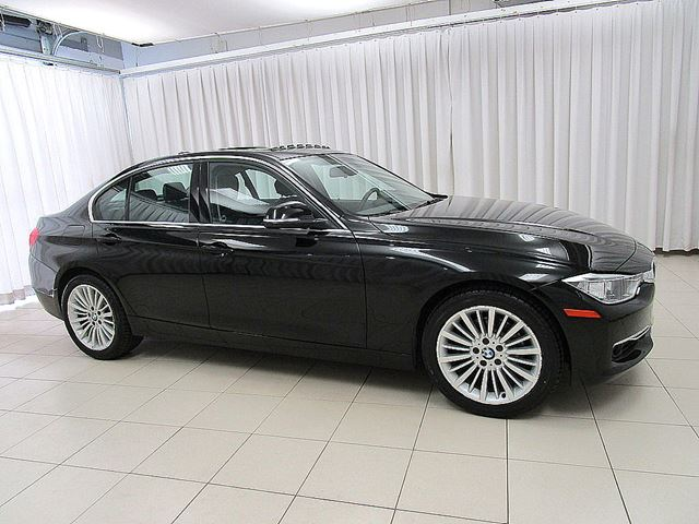 2014 BMW 3 SERIES 328i x-DRIVE AWD w/ PREMIUM, EXECUTIVE PACKAGES in Halifax, Nova Scotia