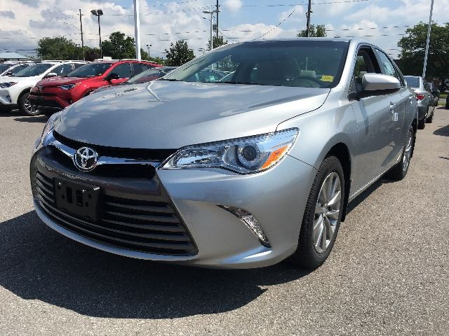 2017 Toyota Camry XLE+NAVIGATION+LEATHER!   in Cobourg, Ontario