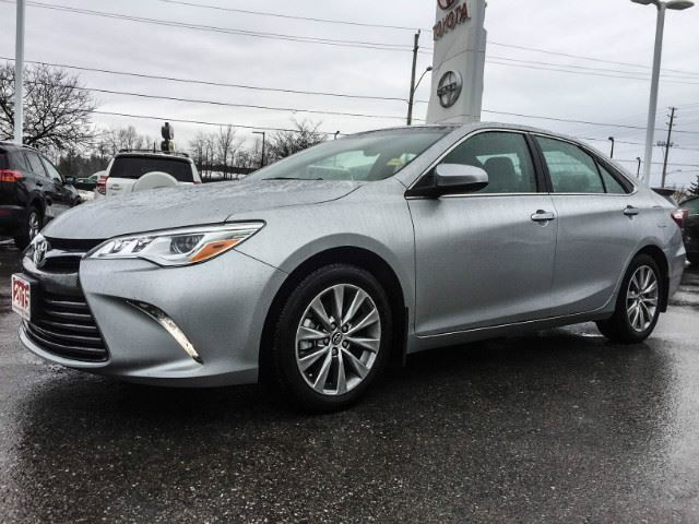 used 2015 toyota camry xle 268 hp v6 cobourg. Black Bedroom Furniture Sets. Home Design Ideas