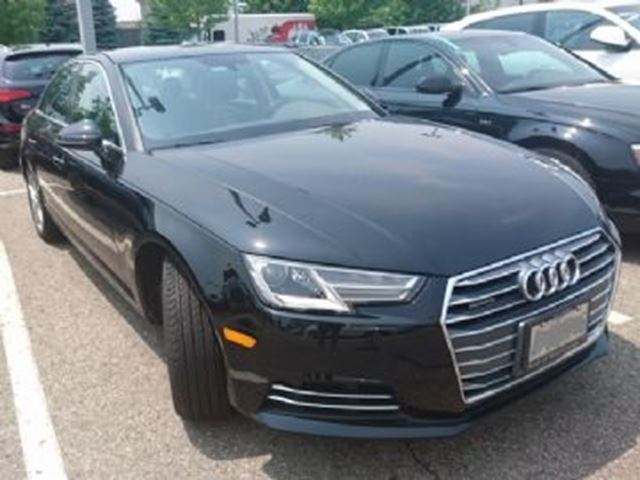2017 AUDI A4 Komfort Quattro w/Convenience Package & 18 inch Alloys in Mississauga, Ontario