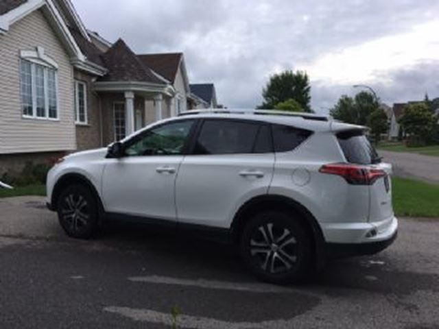 2016 Toyota RAV4 FWD LE w/ Wear Pass in Mississauga, Ontario