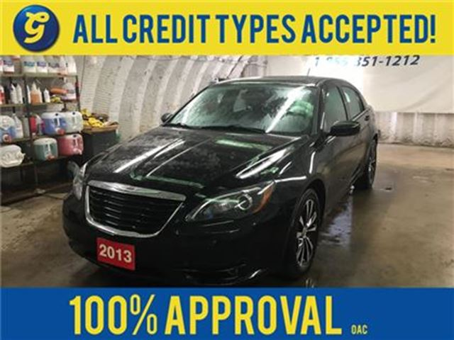 2013 CHRYSLER 200 S*NAVIGATION*LEATHER*KEYLESS ENTRY w/REMOTE START* in Cambridge, Ontario