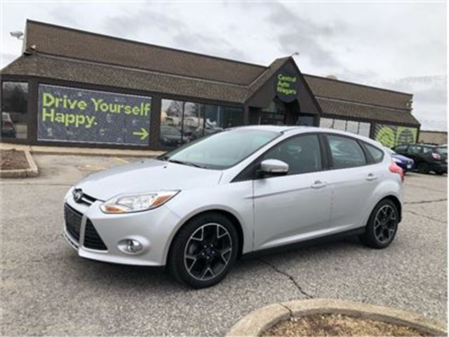 2013 FORD FOCUS SE / LEATHER / SUNROOF in Fonthill, Ontario