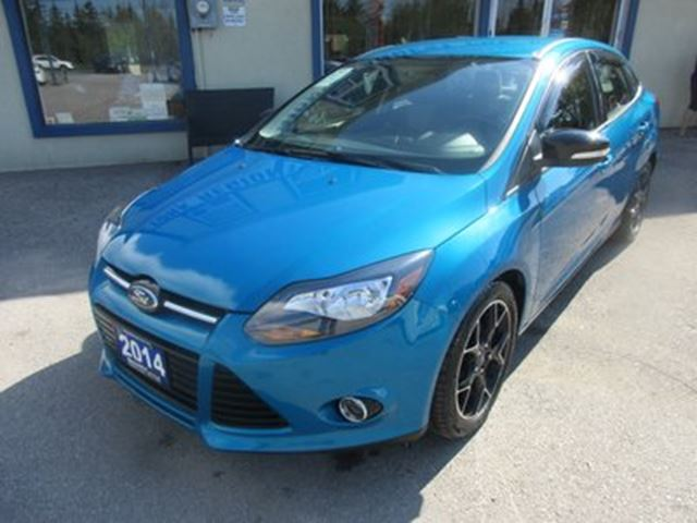 2014 Ford Focus LOADED SE MODEL 5 PASSENGER 2.0L - DOHC.. HEATE in Bradford, Ontario