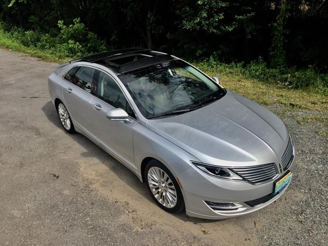 2014 Lincoln MKZ AWD 3.7L V6 Only 22500 km in Perth, Ontario