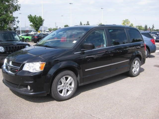 2016 DODGE GRAND CARAVAN Crew Plus in Calgary, Alberta