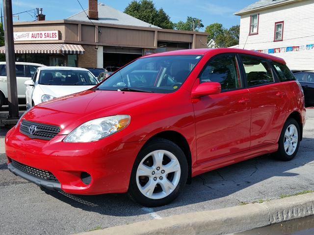 2006 Toyota Matrix XR in St Catharines, Ontario