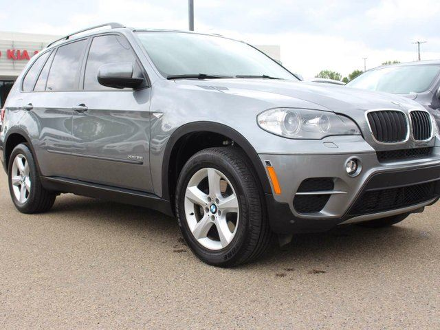 2012 BMW X5 TWIN TURBO, HEATED WHEEL, PANORAMIC SUNROOF, HEATED FRONT/REAR SEATS, NAVI, BACKUP CAM, AUX/USB in Edmonton, Alberta