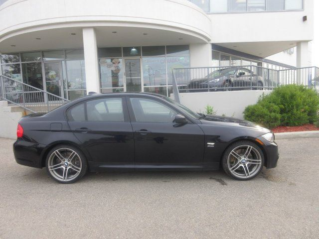 used 2011 bmw 3 series i xdrive calgary. Black Bedroom Furniture Sets. Home Design Ideas