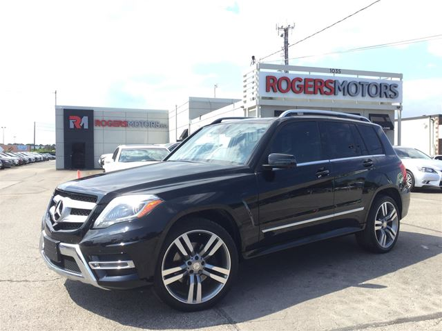 2014 MERCEDES-BENZ GLK250 BLUETEC - NAVI - PANORAMIC ROOF in Oakville, Ontario