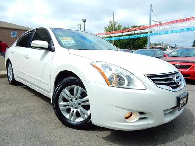 2010 Nissan Altima 2.5 SL  LEATHER.ROOF  LOW KM in Kitchener, Ontario