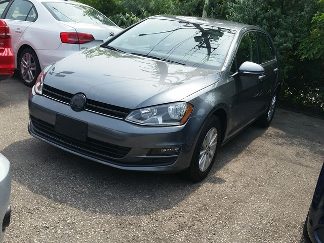 2015 Volkswagen Golf Trendline in Burlington, Ontario
