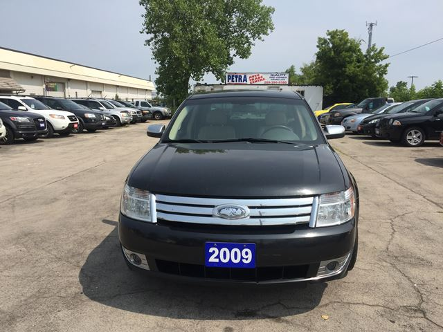 2009 Ford Taurus Limited in Hamilton, Ontario