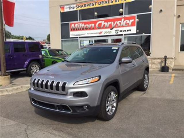 2017 JEEP CHEROKEE LIMITED 4X4 LEATHER in Milton, Ontario
