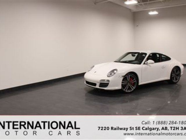 2010 PORSCHE 911 C4S MANUAL! BLOWOUT PRICING!! in Calgary, Alberta