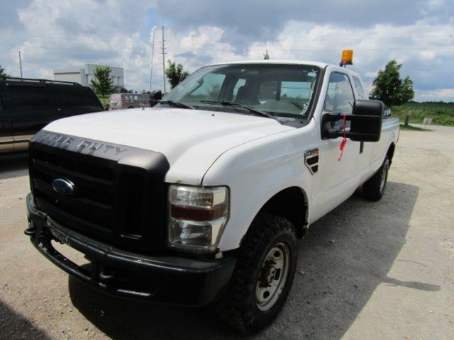2010 Ford F-250 Super Duty XL in Innisfil, Ontario