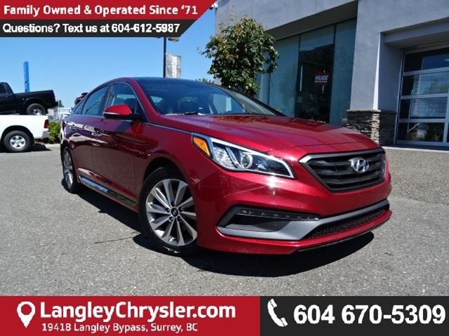 2016 HYUNDAI SONATA Sport Tech w/PANORAMIC SUNROOF & NAVIGATION in Surrey, British Columbia