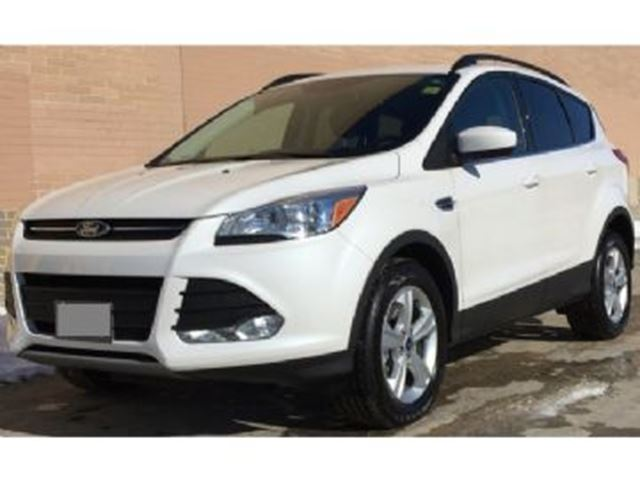 2015 FORD ESCAPE AWD SE w/201A Group, Vista Roof & Leather in Mississauga, Ontario