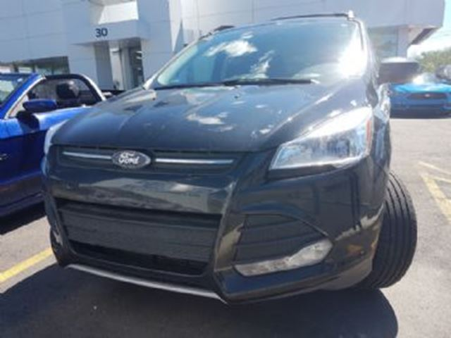 2015 FORD ESCAPE AWD LOADED w/Maintenance Plan in Mississauga, Ontario