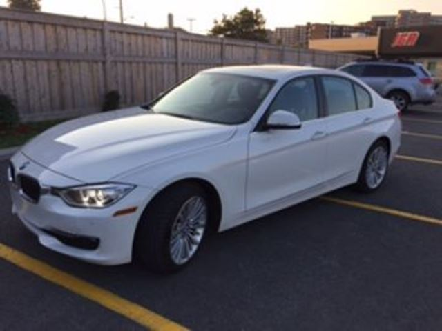 2014 BMW 3 Series 328i xDrive AWD Premium + Sport Packages w/Navi in Mississauga, Ontario