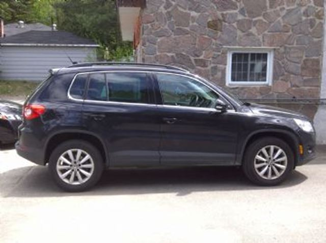 2016 Volkswagen Tiguan Comfortline with Connectivity Package, & Sunroof, 4 Motion in Mississauga, Ontario