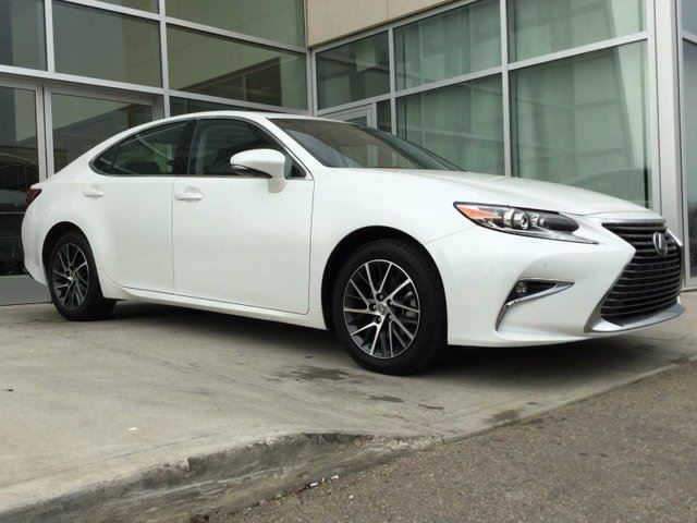 2016 LEXUS ES 350 NAVIGATION/HEATED AND COOLED SEATS/HEATED WHEEL/BLIND SPOT in Edmonton, Alberta