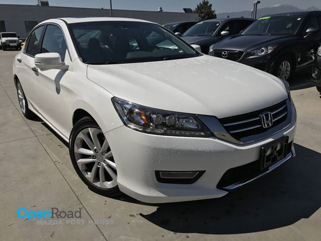2013 HONDA ACCORD  Touring A/T Local Bluetooth USB AUX Leather Sun in Port Moody, British Columbia
