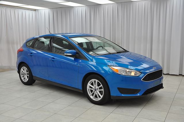 2015 Ford Focus SE 5SPD 5DR HATCH w/ BLUETOOTH, HEATED SEATS /  in Dartmouth, Nova Scotia