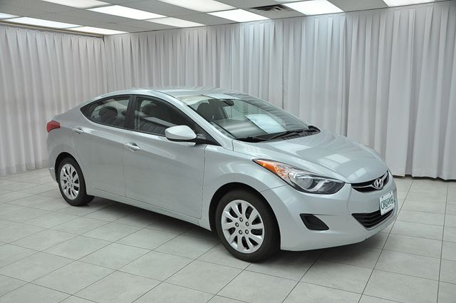 2012 Hyundai Elantra GL SEDAN w/ BLUETOOTH, A/C, HEATED SEATS & USB/ in Dartmouth, Nova Scotia