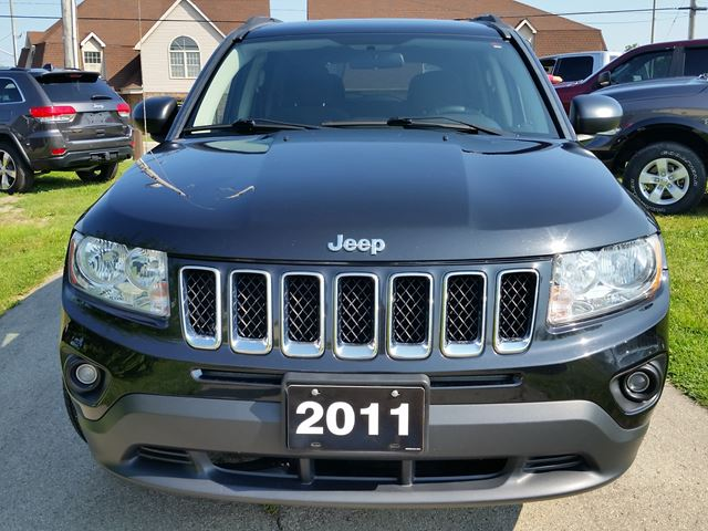 2011 jeep compass north edition fort erie ontario car for sale 2836906. Black Bedroom Furniture Sets. Home Design Ideas